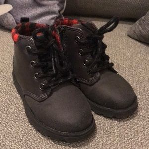 BOYS CARTER'S BOOTS SIZE 7 BRAND NEW